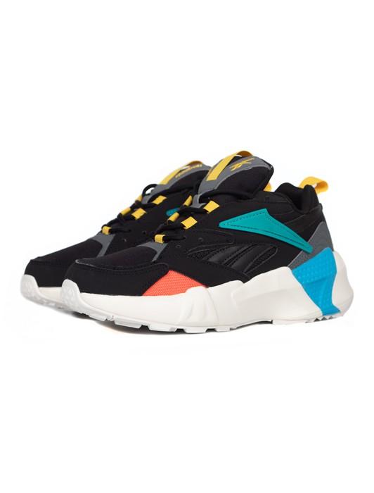 check out 98e3b b05eb Shoez Gallery, sélection de sneakers, chaussures et vêtements ...